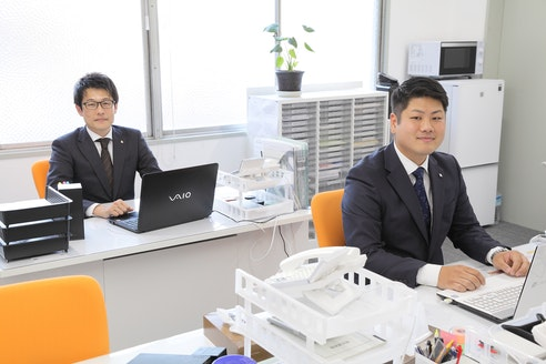 イーアス不動産株式会社 大阪府 大阪市中央区 スタッフ 写真