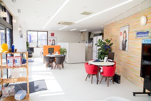 株式会社トヨオカ地建 熊本県 八代市 店内の様子